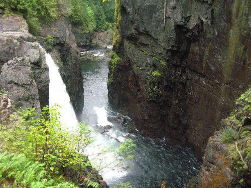 Elk Falls Provincial Park in Campbell River